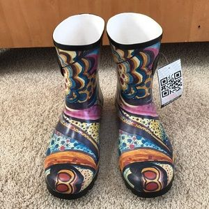 NWT! Daily shoes SZ 10 mid high rain boots.